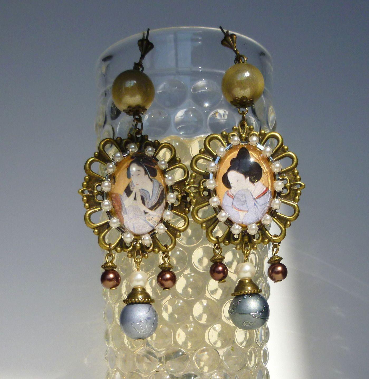 """Boucles d'oreille ,style Japonisant """"HOKKAIDO"""",cabochons illustrés,perles de verre,métal bronze : Boucles d'oreille par bleusoupir"""