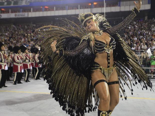 """Ellen Rocche    """"Os condutores de Alegria, numa fantástica Viagem aos Reinos da folia""""    Rosas de Ouro - Carnaval 2013  Sao Paulo - Brasil"""