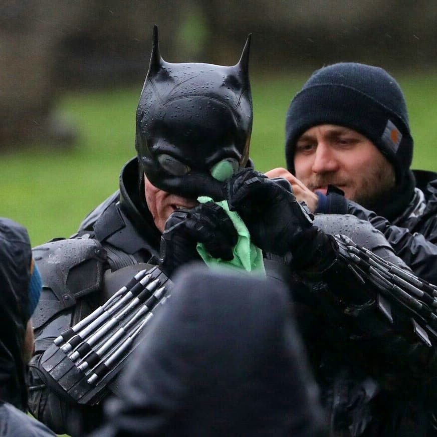 The Batman Full Batsuit Revealed in New Set Photos | Batman, Batman sets,  Good movies