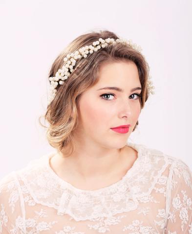 Los mejores peinados modernos para novia con tiara 15 - Peinados de novia modernos ...