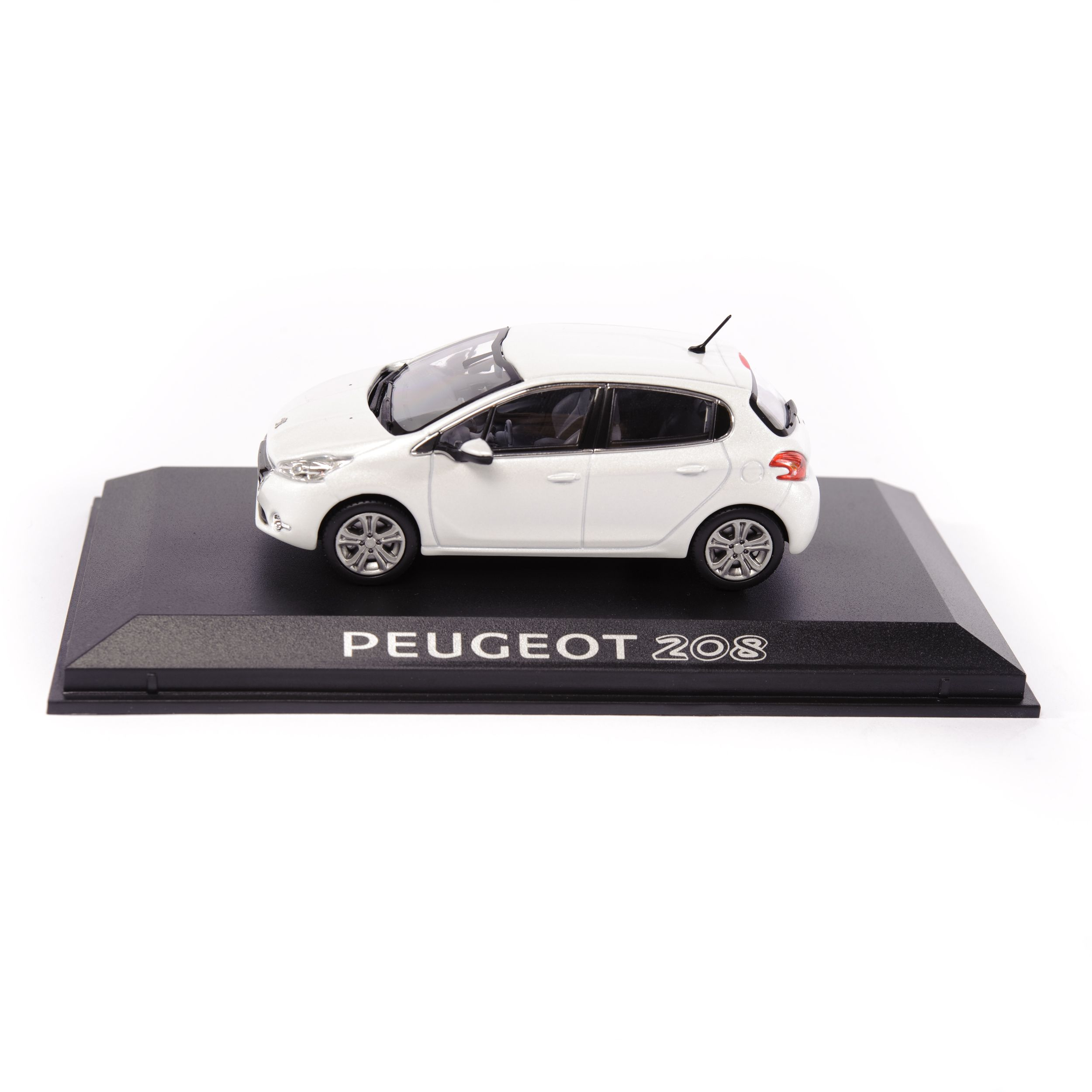 Peugeot 208 - Let your body drive