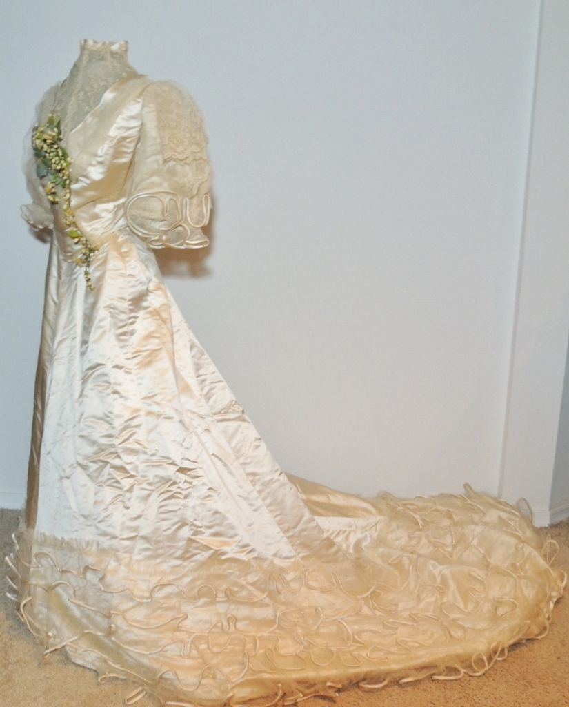 Worth us satin lace wedding gown w wax flowers the bodice is