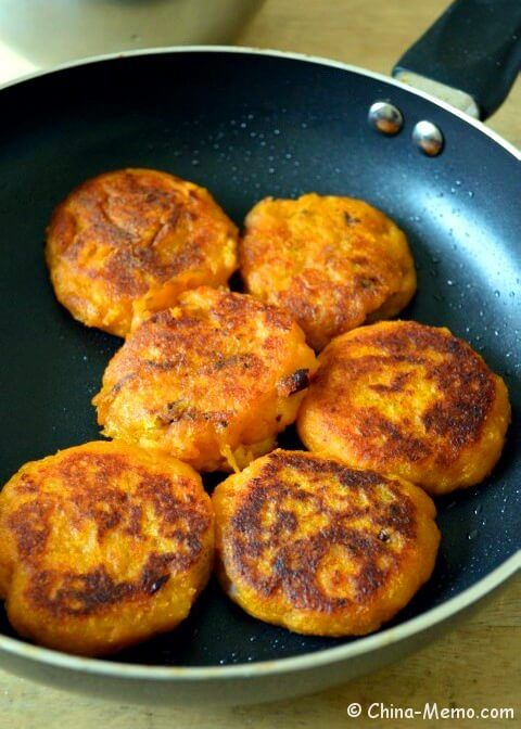 Chinese squash cakes with bean fillings recipe chinesefood www chinese squash cakes with bean fillings recipe chinesefood china memo forumfinder Image collections