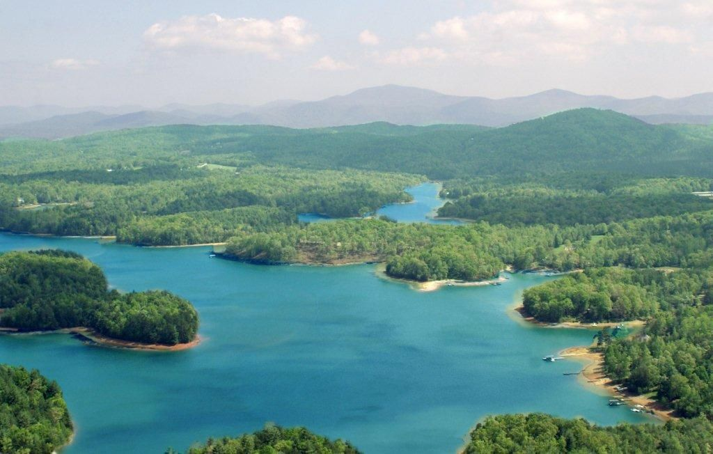 Beautiful Lake Nottely is located in North Georgia in Union