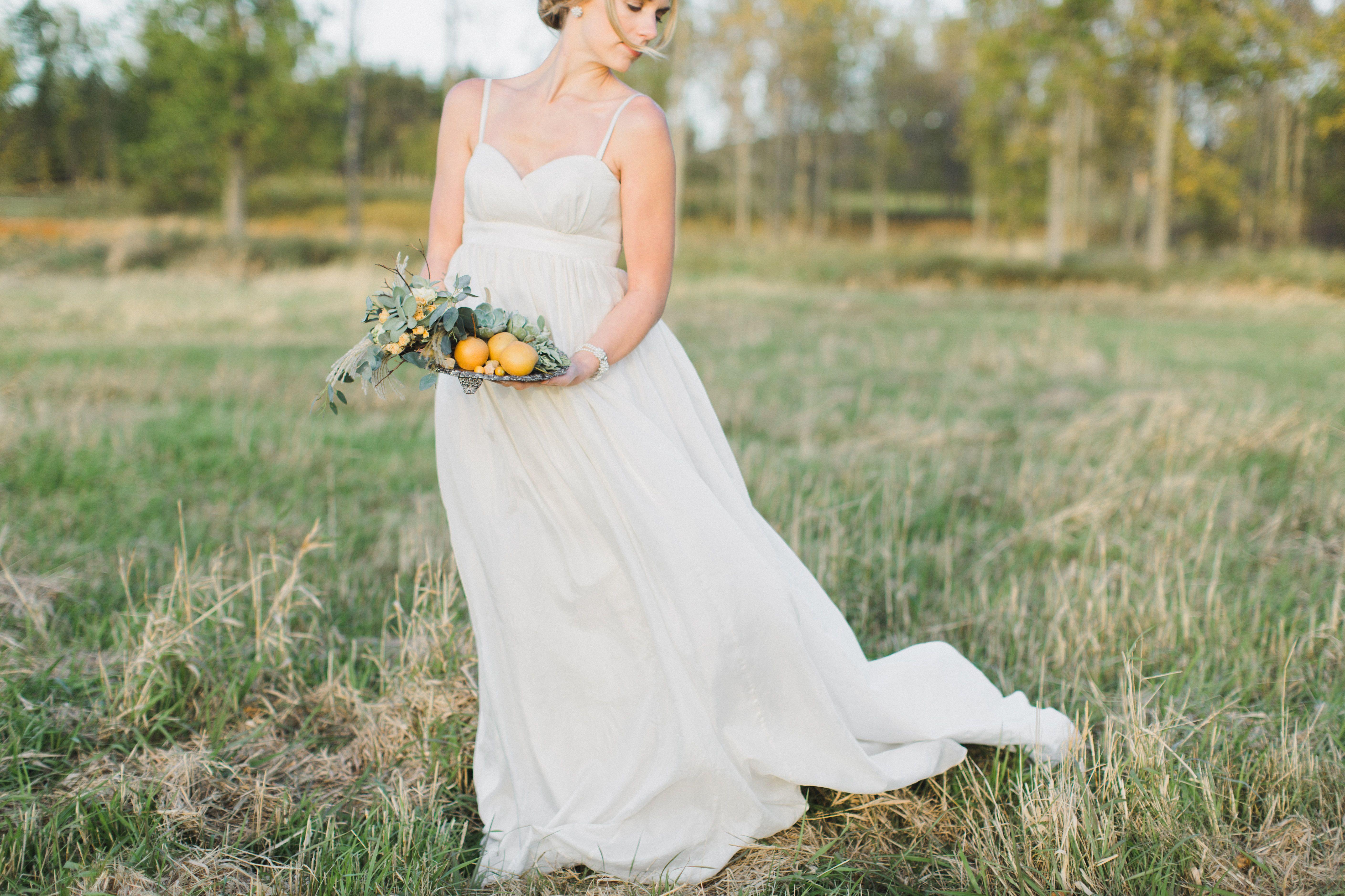 Where can i rent a wedding dress  Venue Shelburne Farms  Florals Jayson Munn Design  Jennifer