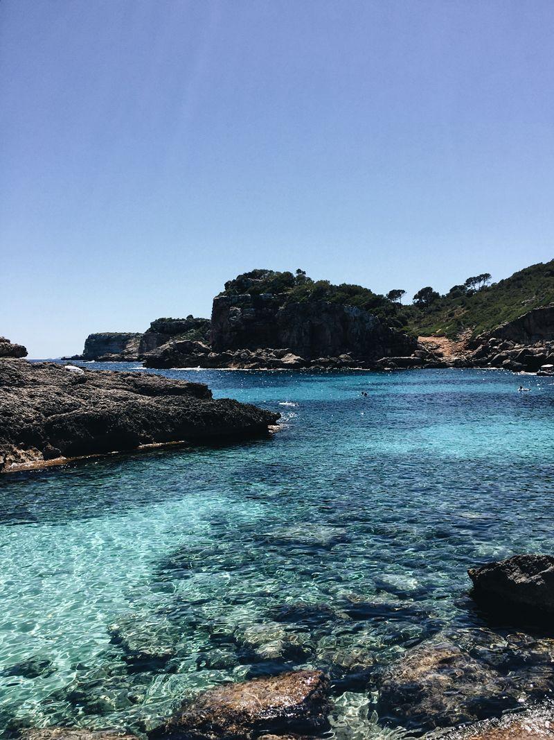 Mallorca Beach Guide: Cala s'Almunia - teetharejade.com