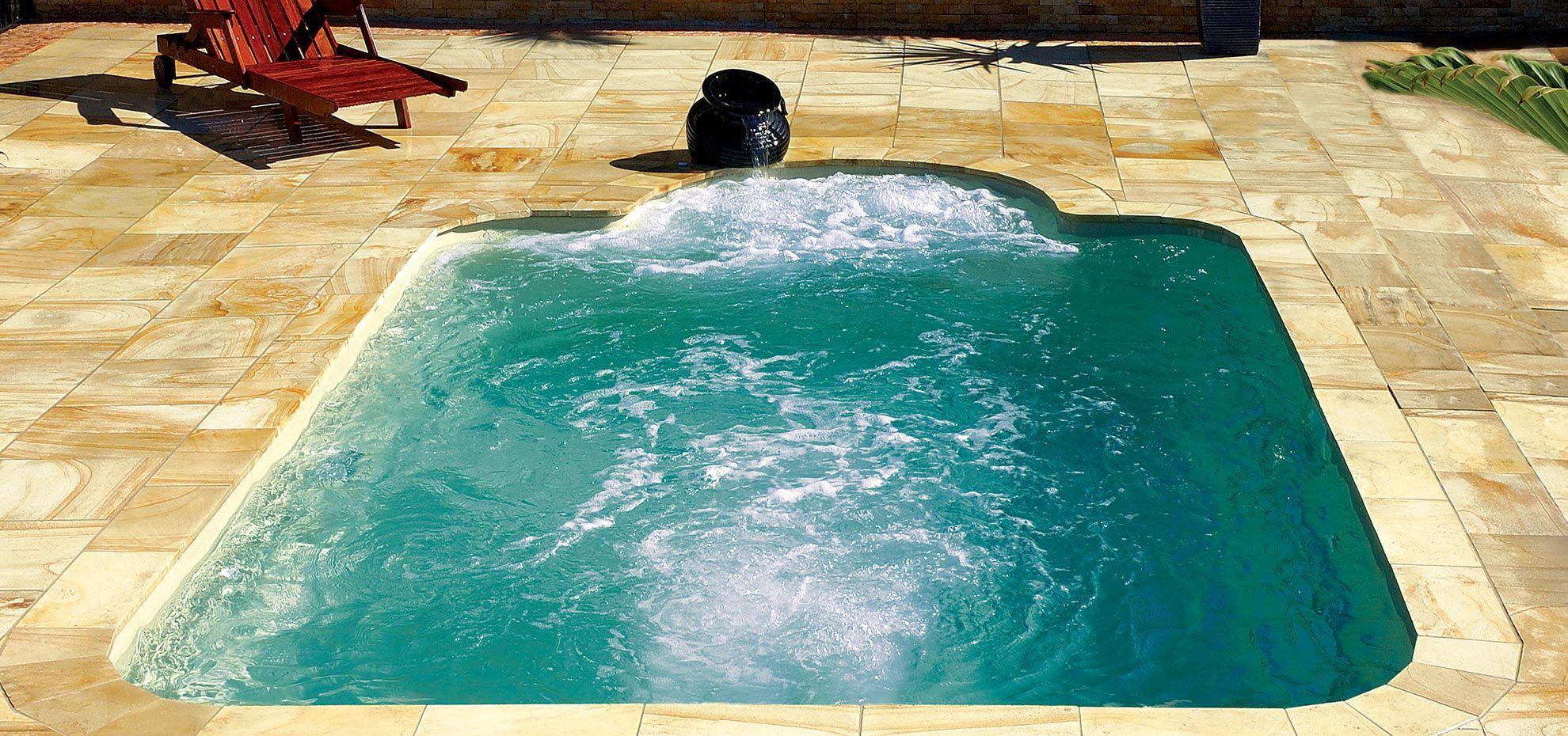 The Courtyard Roman Leisure Pools Leisure Pools Pool Fiberglass Swimming Pools