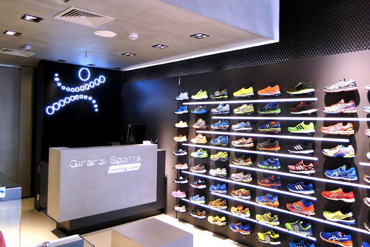 e3995f3e Картинки по запросу Интерьер магазина спортивной обуви | shop design ...