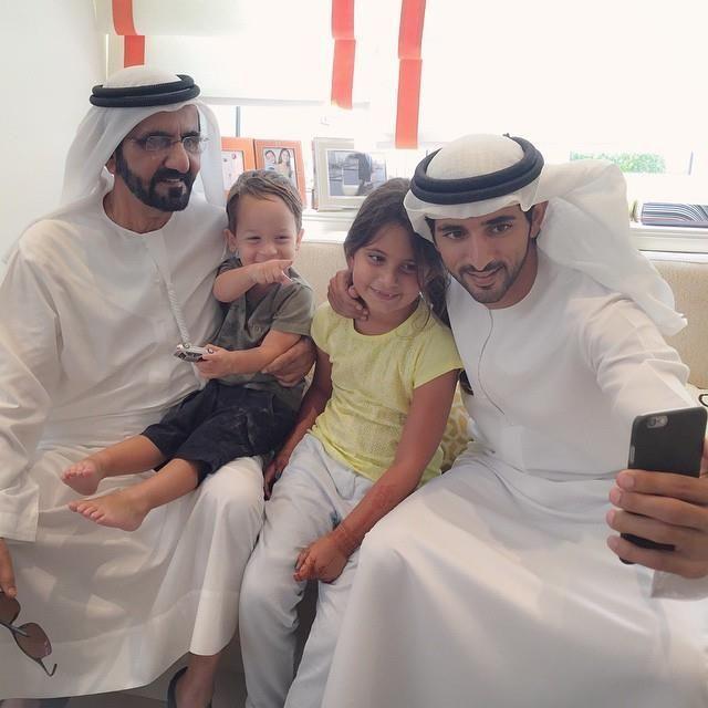 Sheikh Mohammad bin Rashed Al Maktoum with his children #dubai