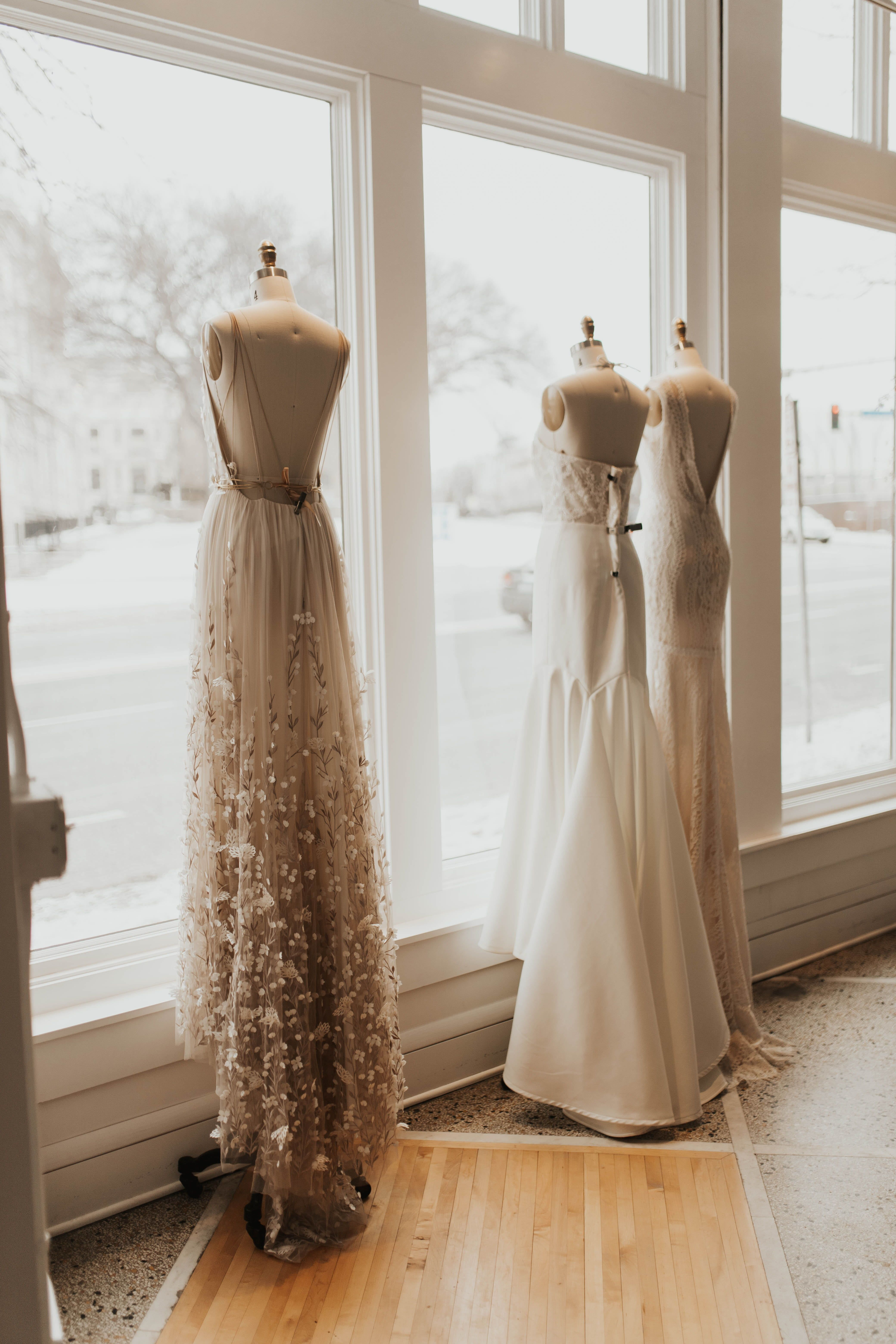 664482597dab7 TAKE A SNEAK PEEK INTO AN APPOINTMENT AT A&BE BRIDAL SHOP IN MINNEAPOLIS,  MINNESOTA. Modern Bride, Romantic Bride, Indie Bride, Bohemian Bride, ...