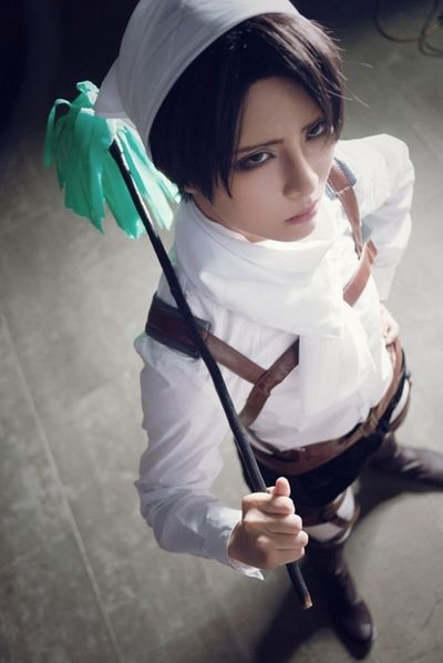 Levi cosplay (Attack on Titan) | cosplay | Pinterest ...