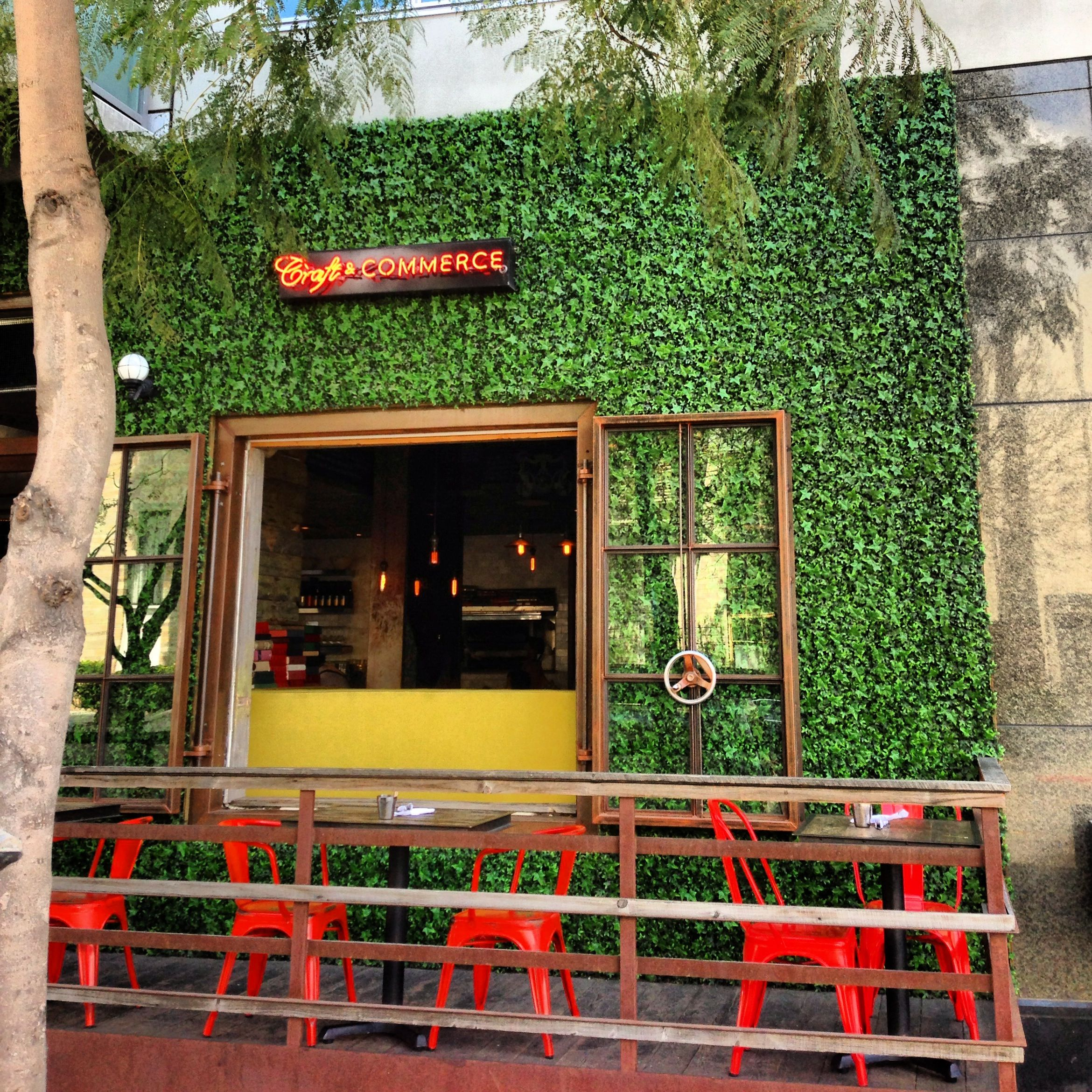 Green Cafe Design: Looking For A Hipster Styled Restaurant With Creative Food