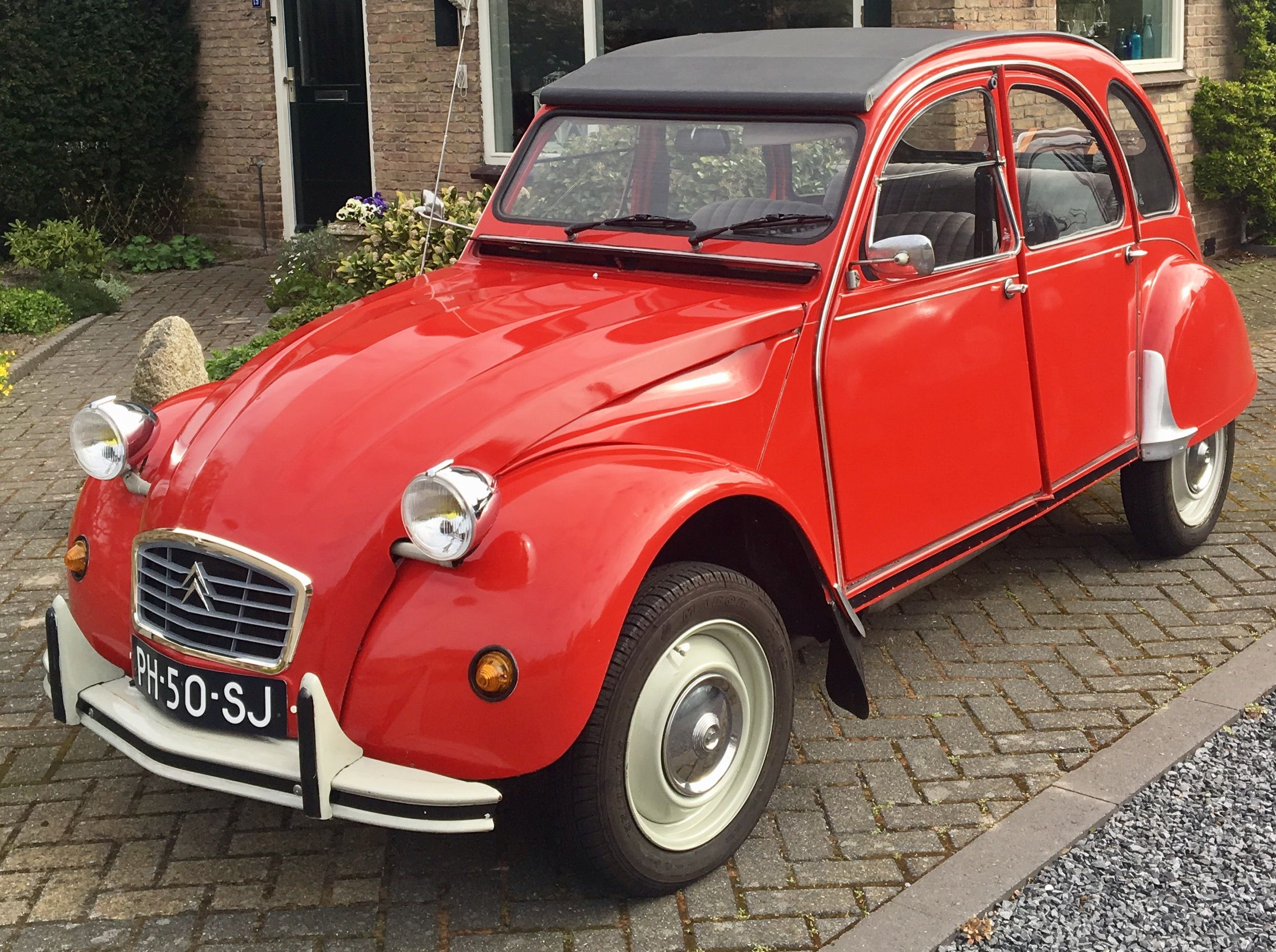 Pin By Phil Harrison On Citroen 2cv Red Car Vehicles Classic Cars