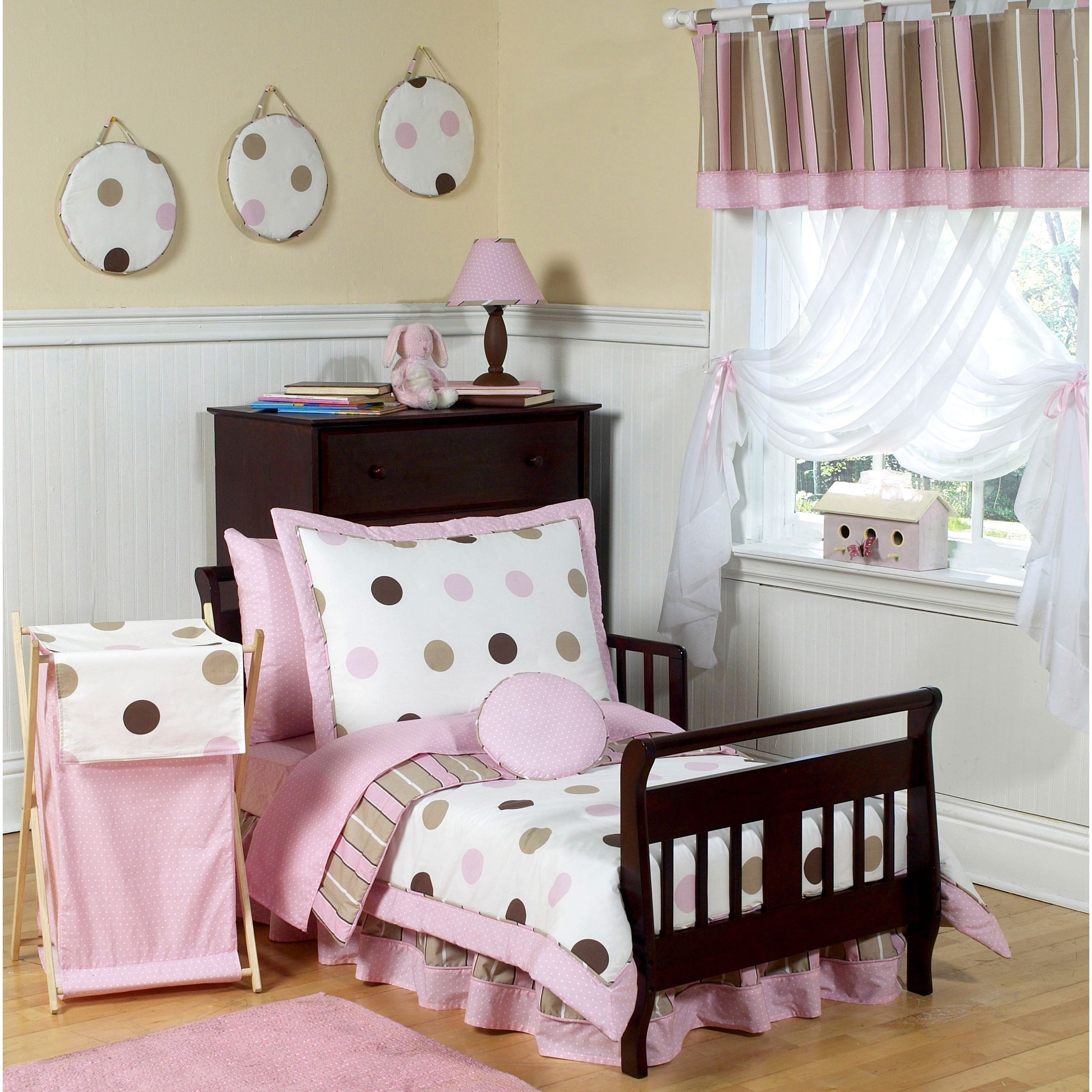 This Sweet Jojo Designs 5 Piece Toddler Bedding Ensemble