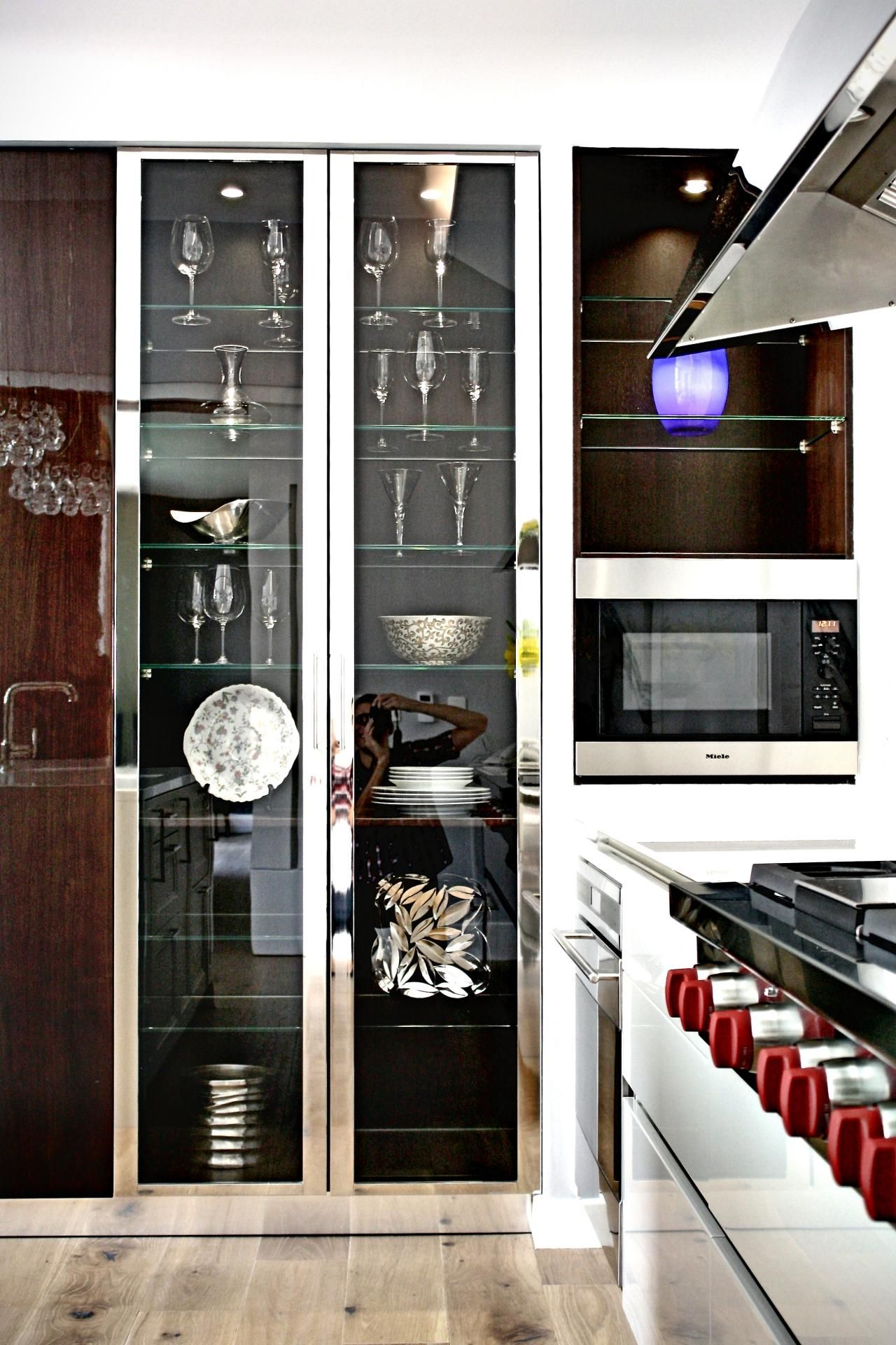 Displaying glassware in kitchen cabinets ideas   Google Search ...