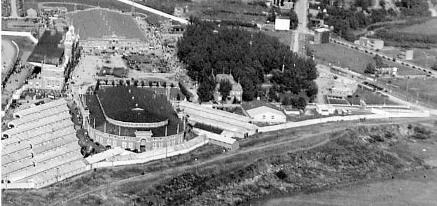 L 39 exposition provinciale de qu bec en 1936 quebec for Cegep vieux montreal piscine