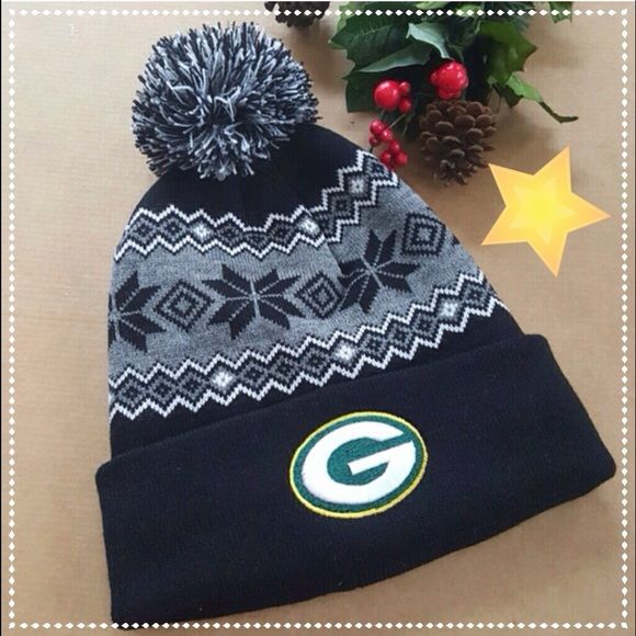 Green Bay Packers Beanie Brand new. Black and gray Accessories Hats