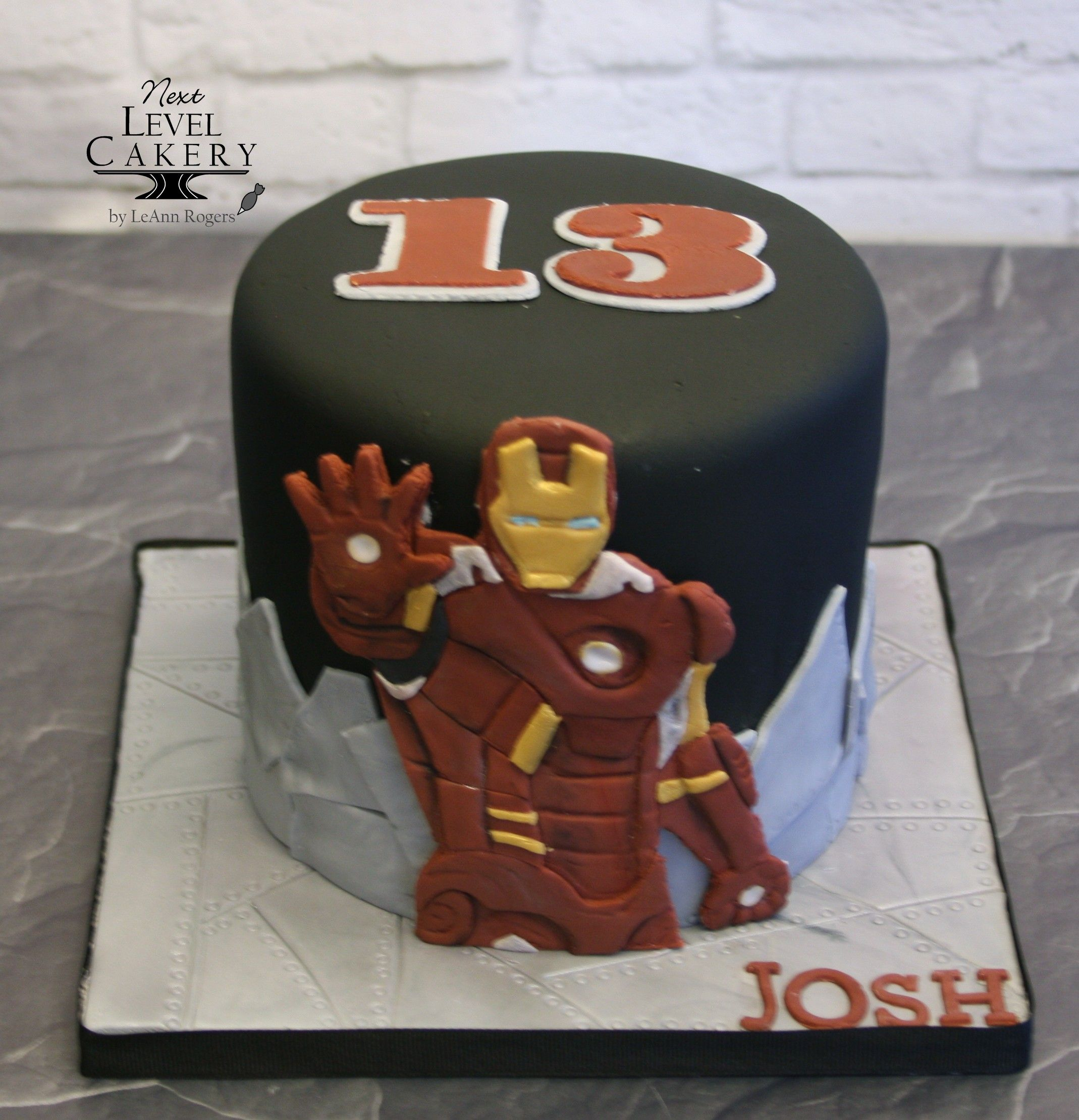 Iron Man Cake 13 Year Old Boy Cake With Images Ironman Cake