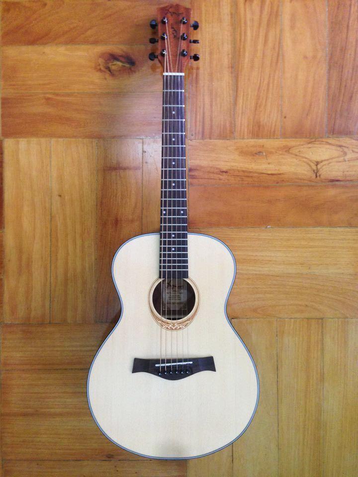 Amari Mini Guitar We Can Ship Specs Price 5000 Amari Mini Traveller Guitar Price 4500 Pick Ups Cost Additional 170 Guitar Guitar Prices Traveler Guitar