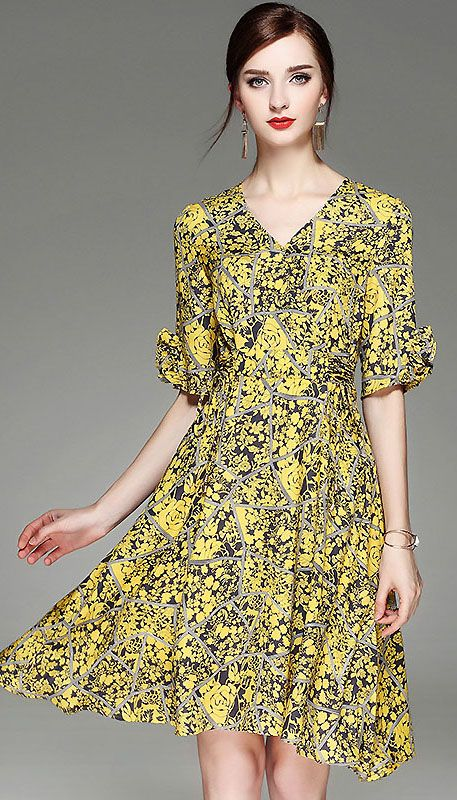 a8c503ddf2 Fashion V-Neck Short Sleeve Floral Print Skater Dress