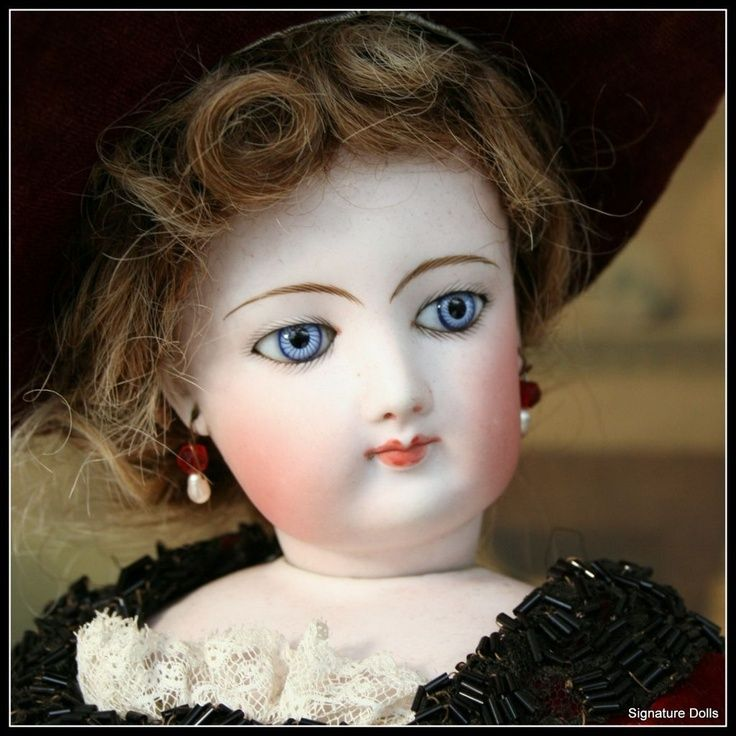 fg french fashion doll with trousseau | french fashion
