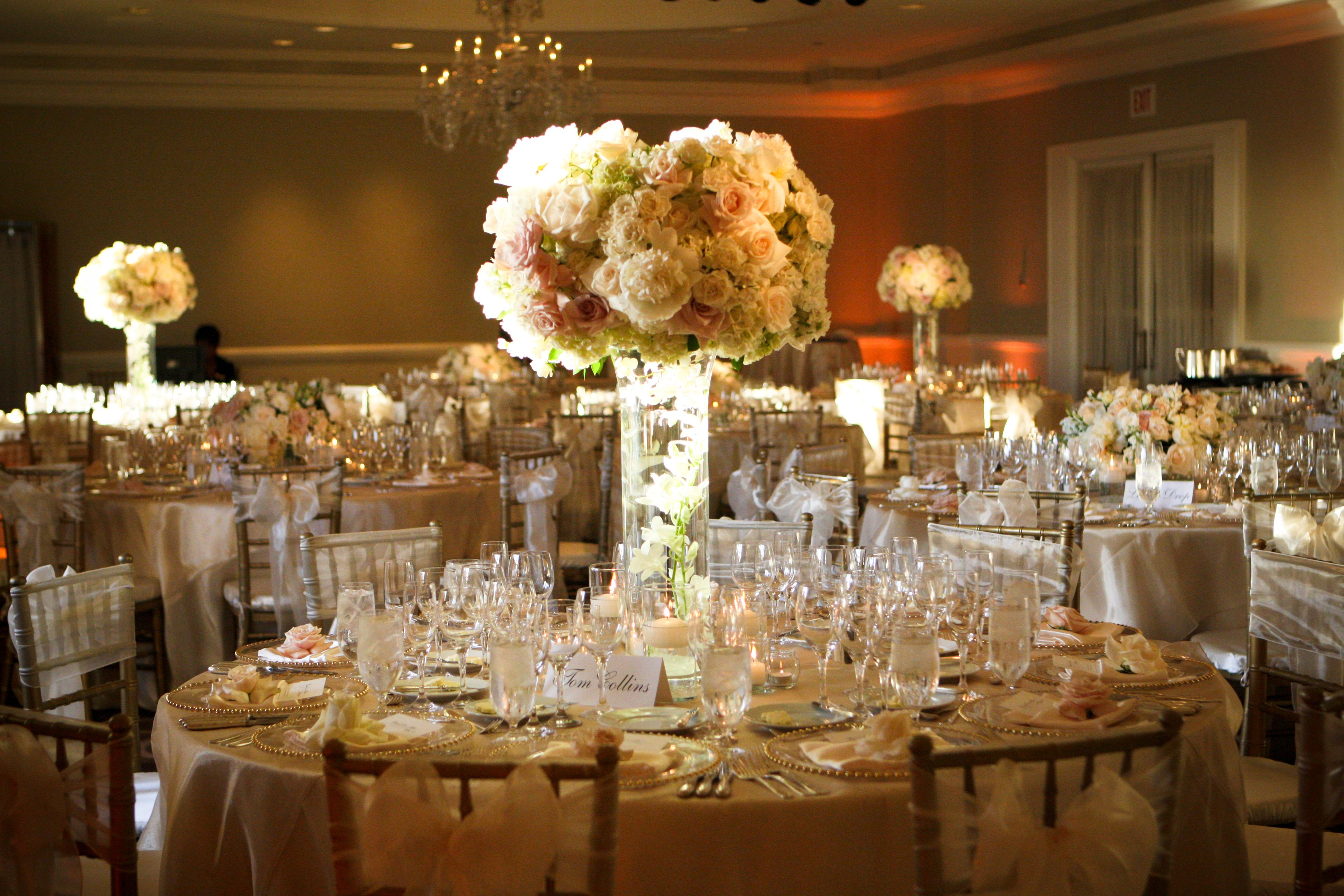 Vintage Wedding Reception Decorations Black And Champagne Complimented The Tones With
