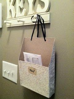 diy mail box w cereal boxes pour le courrier attach au porte cl s de l 39 entr e ou sur la porte. Black Bedroom Furniture Sets. Home Design Ideas