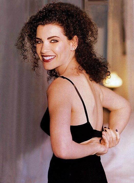 Remember #curly haired beauty Julianna Margulies from the TV show ER? www.thepuffcuff.com