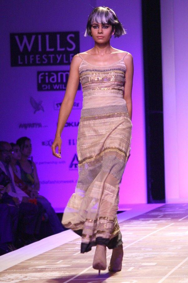 Encantador Vestidos De Boda En Nueva Delhi Foto - Vestido de Novia ...