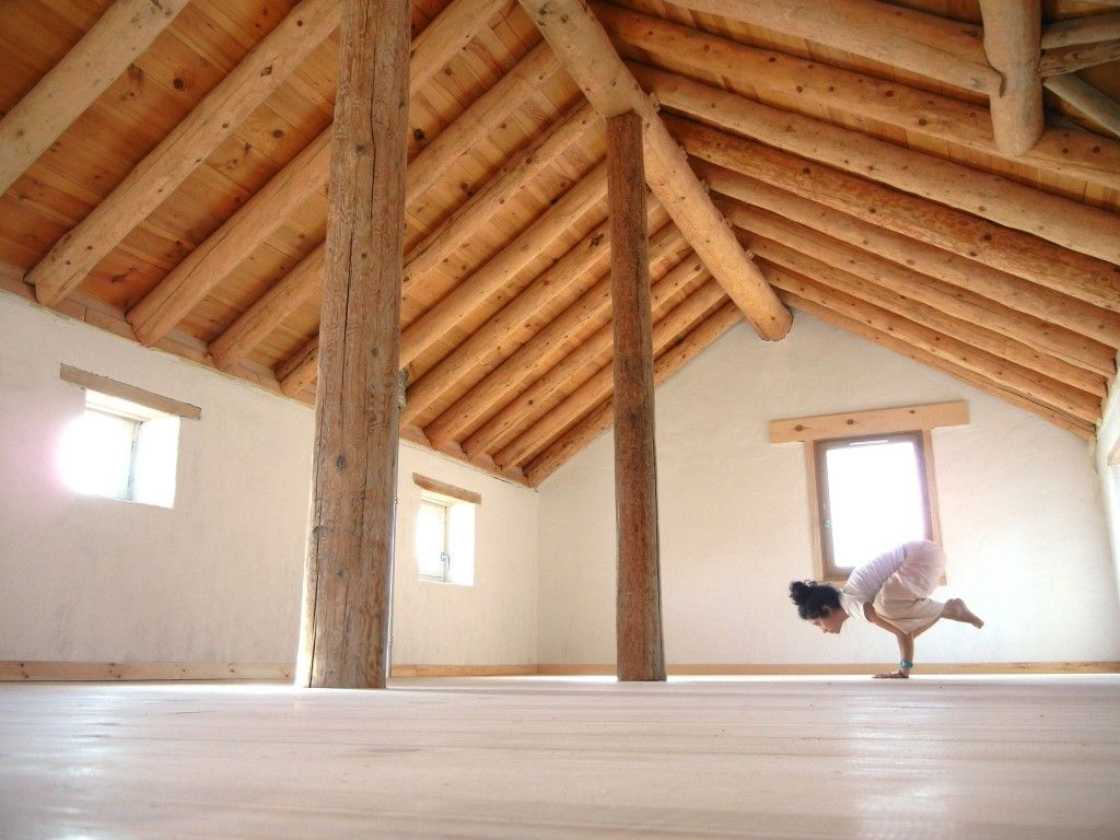 Sala de yoga meditaci n yoga meditation hall sala ioga pinterest salas de yoga - Salas de meditacion ...