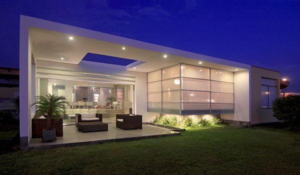 Fachada casa moderna spa flashes de arquitectura for Urbanizacion mucho lote 2 villa modelo