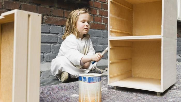What kind of paint should you use on a wood dresser?