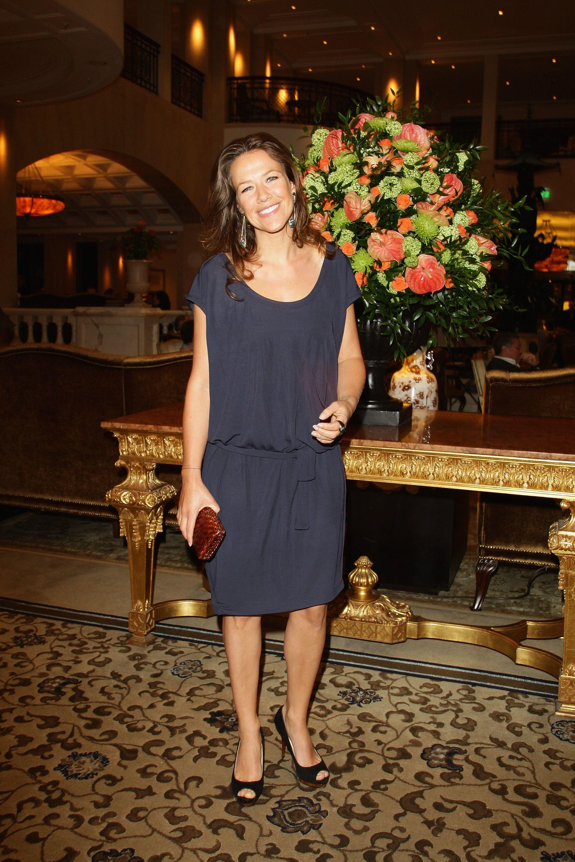 Feet alexandra neldel Jennifer Aniston's