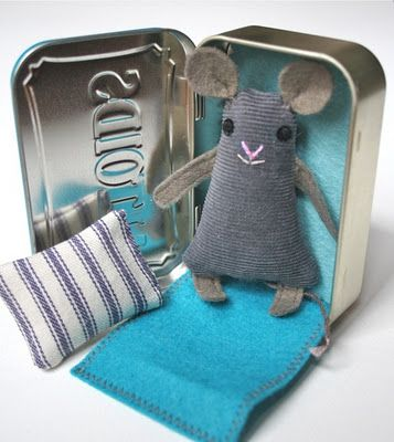 mouse and house {file under: handicrafts}