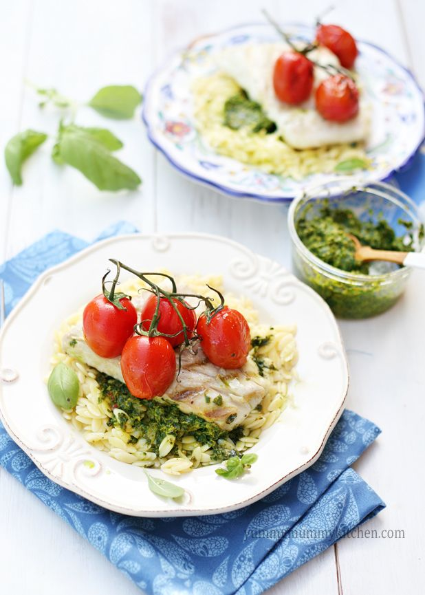4 Ingredient Grilled Halibut and Tomatoes over Pesto Orzo #recipe     @Marina / YummyMummyKitchen.com