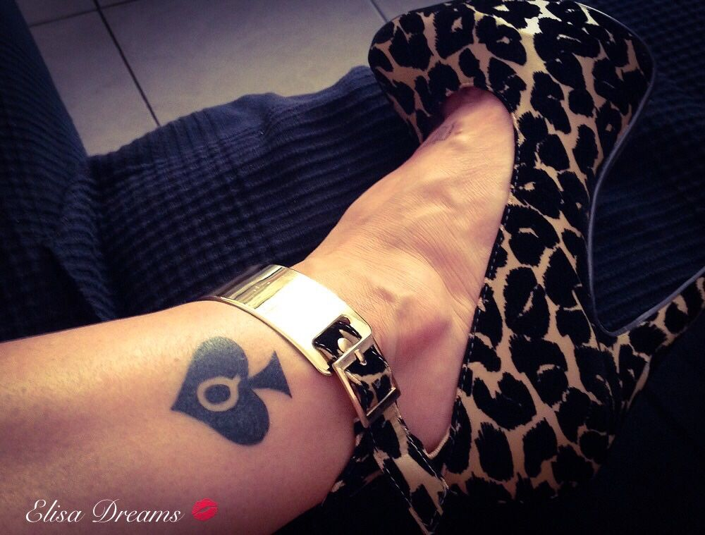 sexy queen of spades tattoo ideas pinterest queens black spades and sexy feet. Black Bedroom Furniture Sets. Home Design Ideas