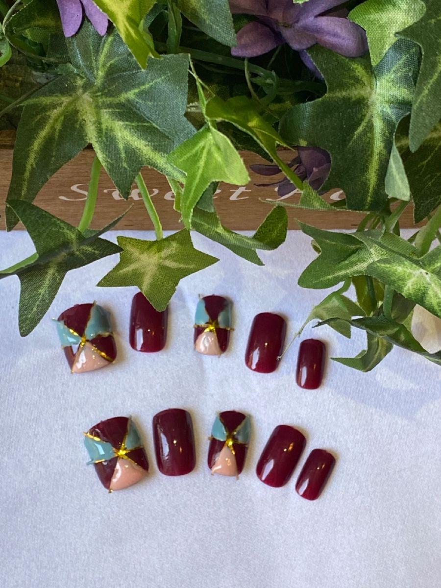 Nail art inspired by the Art Deco period. #nailsdesign #nails #nailart