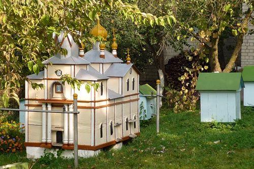 bienenstock in form einer kathedrale im kiewer h hlenkloster ornate bee shelter verzierte. Black Bedroom Furniture Sets. Home Design Ideas