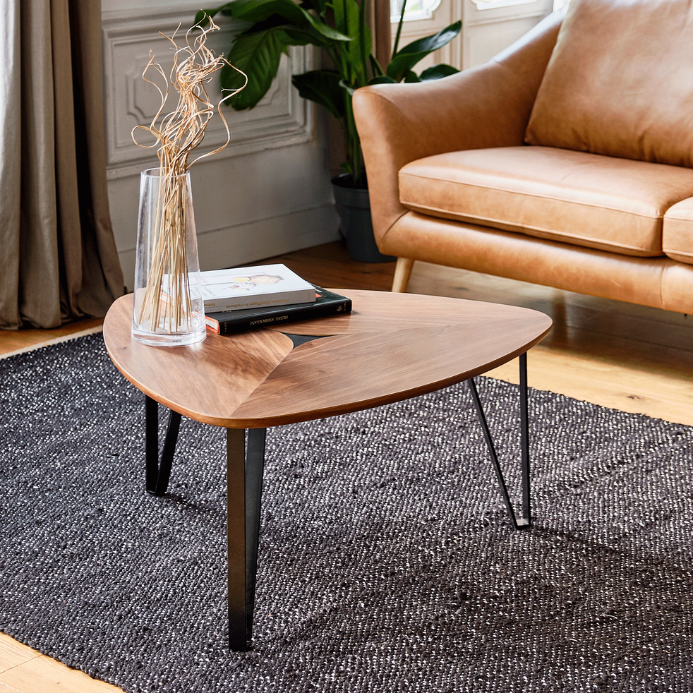 Table Basse Triangulaire Plaquee Noyer Arlete Table Basse En 2020 Table Basse Triangulaire Table Basse Table Basse Alinea