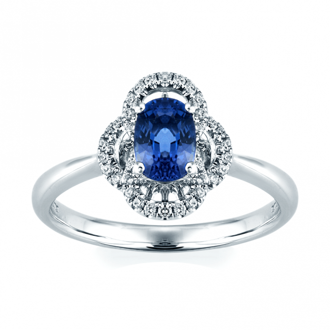 · Breathtaking sapphire and diamond ring. · Exquisite oval