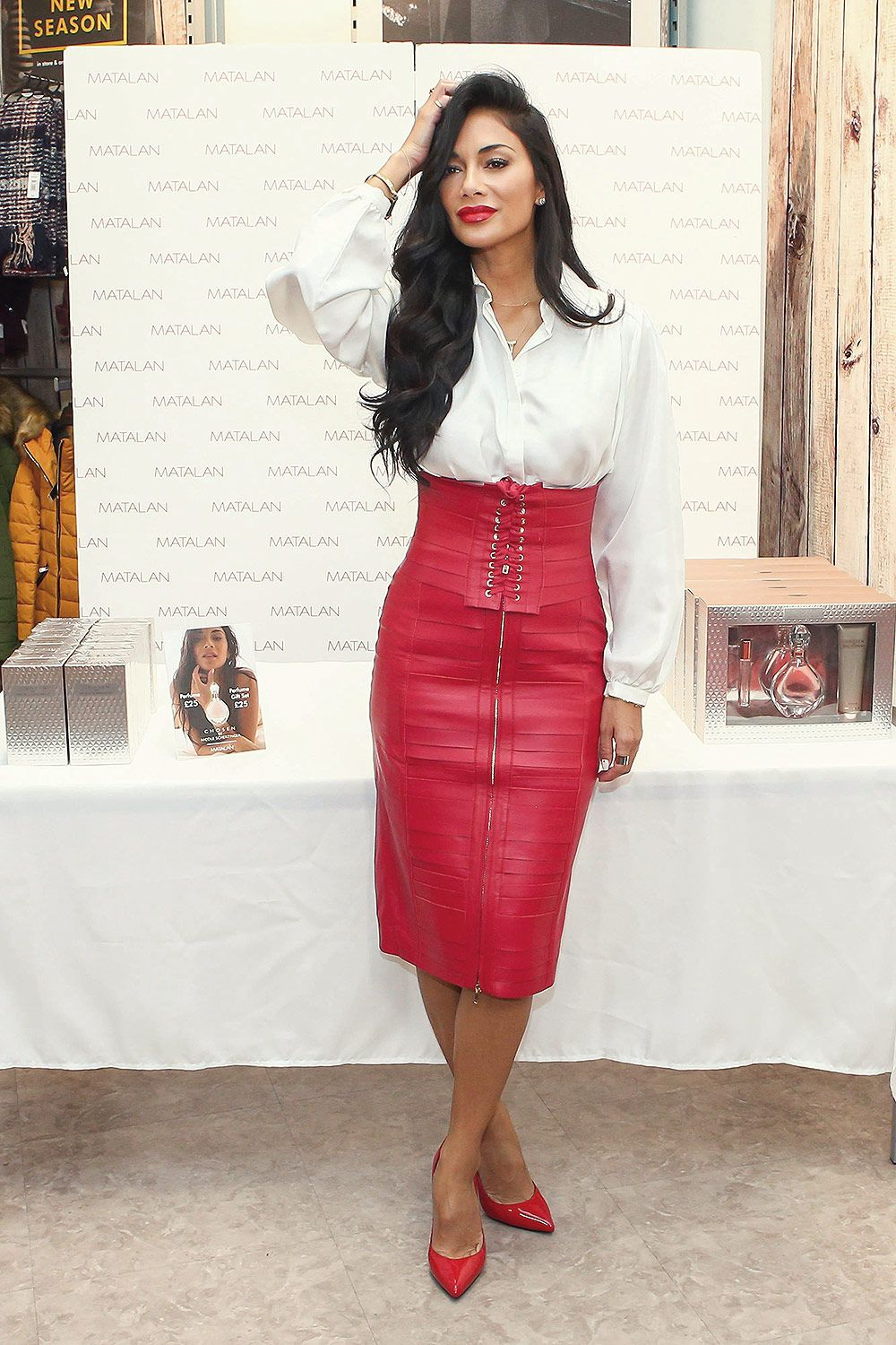 Pin By Rebecca Williams On Leather Skirts Nicole Scherzinger Leather Skirt Leather