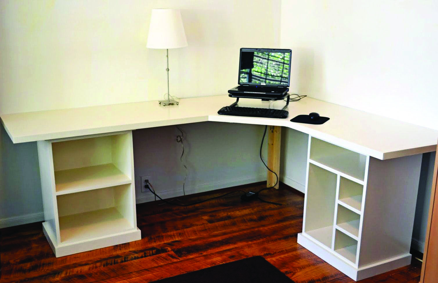 17 Diy Corner Desk Ideas To Build For Your Office Diy Corner Desk Diy Desk Plans Modular Desk
