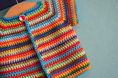 vicarno's mama: English version : free crochet pattern colourfull baby vest