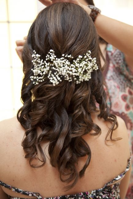 I love the baby's breath hair decoration. | jewellery in ...