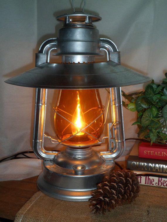 Beautiful Bright Galvanized Electric Lantern Lamp With An Amber Globe And Reflector Hood Nice Faroles Antiguos Faroles Lamparas