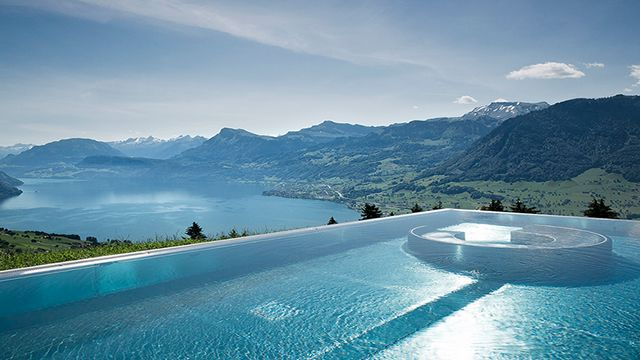 Stairway to Heaven infinity pool is a five-star boutique hotel in Switzerland that was named after one blogger by the name Fabi Range recorded a film there.