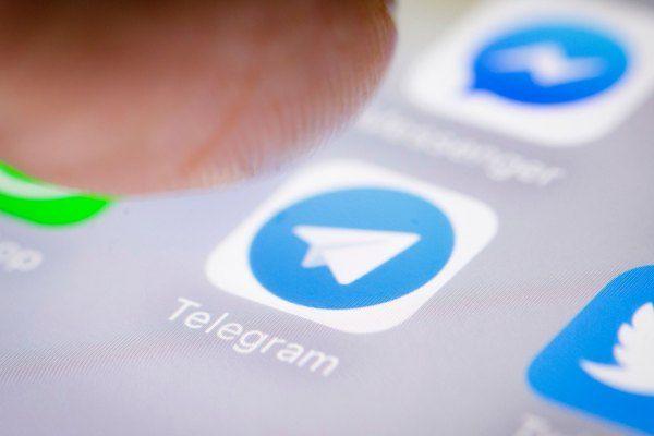 apple blocks ios updates of messaging app telegram android windows
