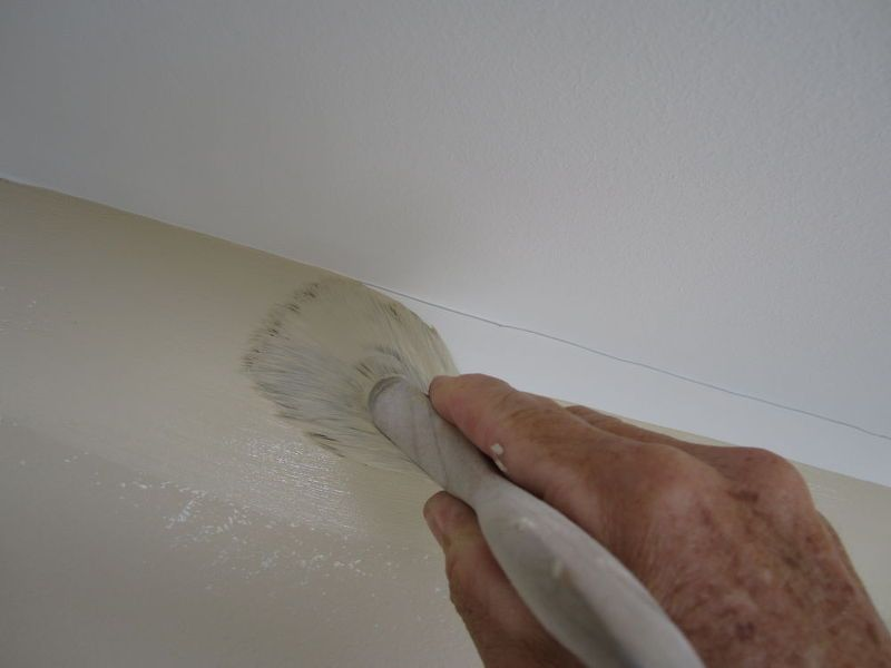 Painting A Straight Line At The Ceiling Trick Paint Colors Walls Ceilings Using 3 Inch Brush Loaded With Just Cover