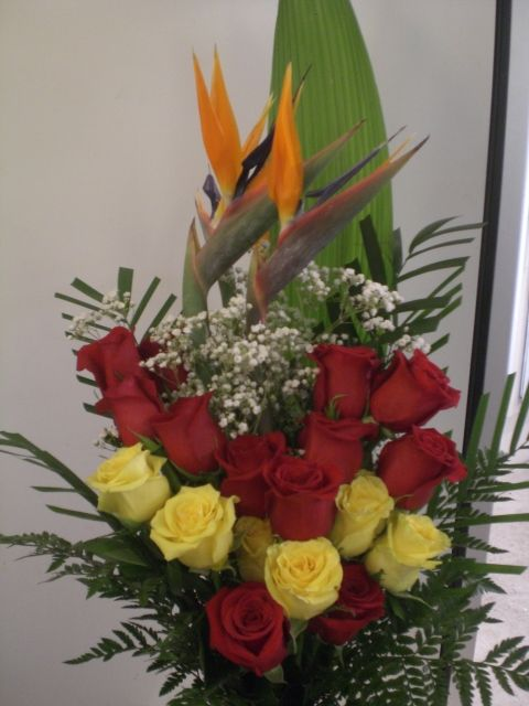 http://www.unny.com bird and roses bouquet