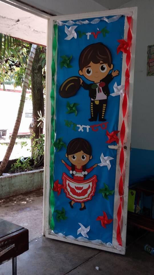 Puerta decorada del mes de septiembre puertas puertas for Decoracion de puertas de salones